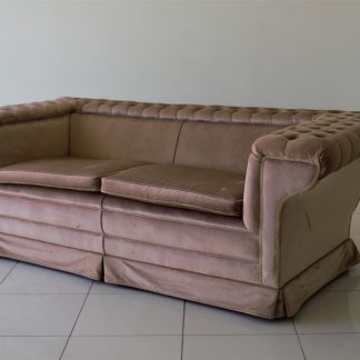 Chesterfield-Mid-Ceetury-loungs